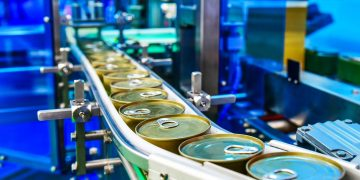 canned-food-products-conveyor-belt-distribution-warehouse